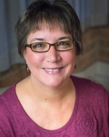 Pam Halter headshot