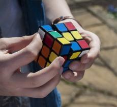 cube-2210452_1920B